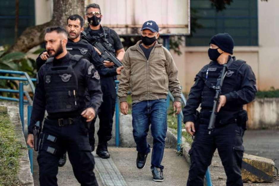 Queiroz foi preso em Atibaia e sua esposa, Marcia, está foragida desde então Foto: EPA / Ansa